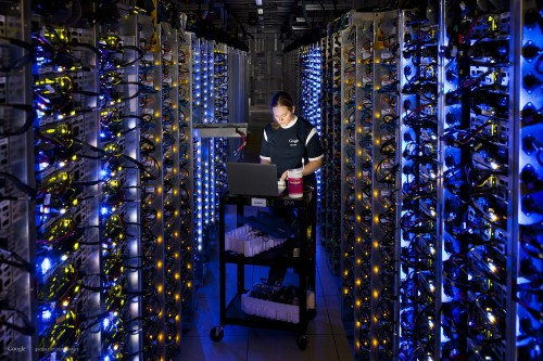 google-datacenter-server-room-job[1]